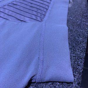 ALO Yoga Pants & Jumpsuits - ALO Yoga High Waist Moto Legging in Slate Gray